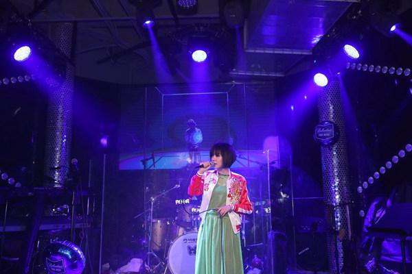 真我有料,真我艺人Kiki郑兴琦上海热力开唱