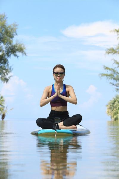 """容祖儿玩海上瑜伽?这身材堪称""""艺人标杆"""""""