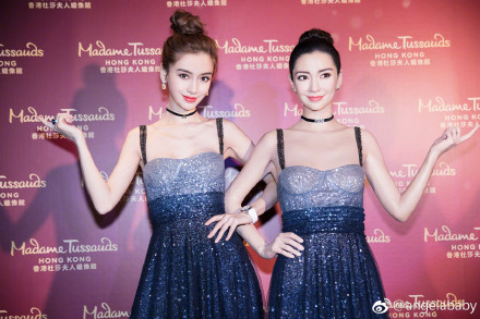 Angelababy蜡像揭幕 2018首个入驻香港蜡像馆的艺人!