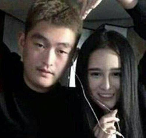 赵本山儿子近照曝光 网友:一看就是亲生!