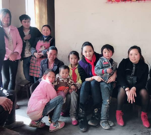 亲赴山区爱心助学 柳妍熙:人生中最宝贵的一课 呼吁爱心人士关注山区留守儿童与老人