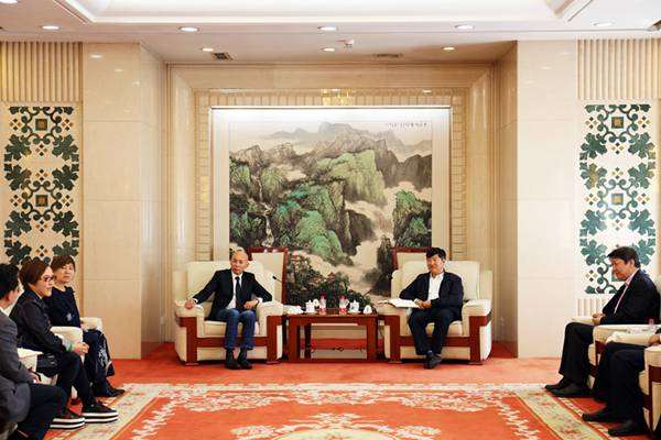 交通运输部副部长刘小明会见著名导演林超贤一行