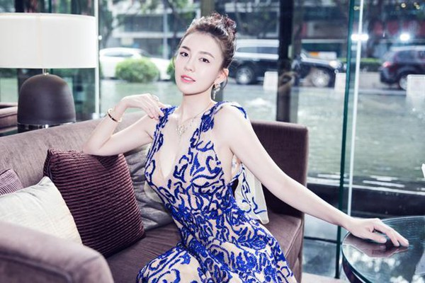《我的保姆手册》官宣 吕佳容演娱圈女魔头蓝予嫣