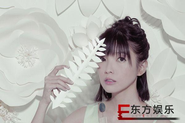 郭美美献声《泡沫之夏》人物主题曲  动听《沙漠》倔强首播