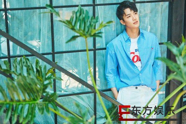 新晋小生王燕阳彰显个人魅力,夏日写真演绎型男本色
