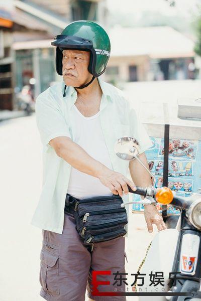 香港戏骨吴耀汉、朱咪咪领衔主演《疯狂这一年》深度诠释父爱