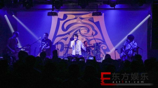 """摇滚乐团""""四分卫""""成军25周年 北京演唱会引发摇滚风暴"""