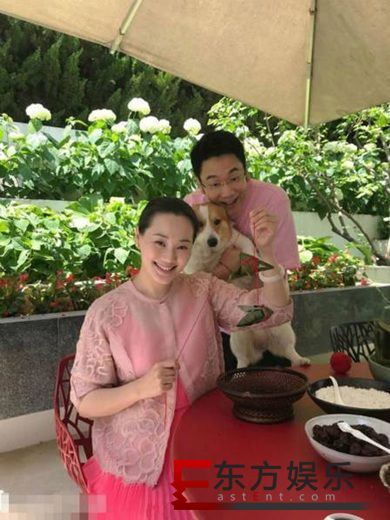 林依轮结婚23周年 与家人温馨包粽子!