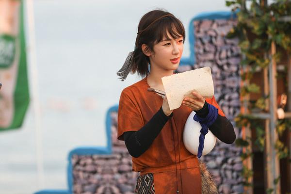 《高能》王俊凯与霸王龙亲密握手,王大陆暖心吻白鲸