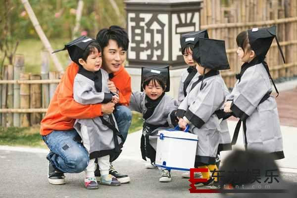"""张丹峰国学课堂被""""罚站""""? 杜海涛《爱上幼儿园》被妈妈""""催生"""""""