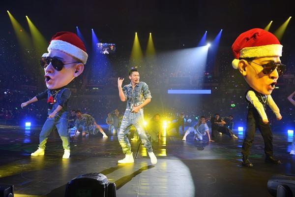 刘德华「My Love」香港演唱会 万人合唱圣诞歌欢度平安夜