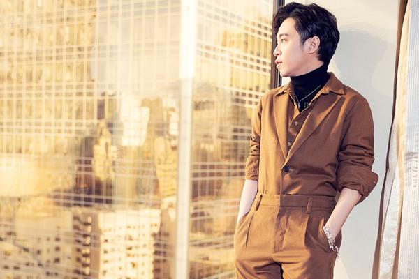 吴青峰现身《歌手》2019发布会  现场自爆如何与音乐结缘