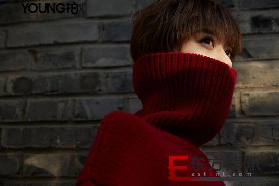 李凯馨曝冬日时尚大片 胡同小巷定格文艺少女的温暖时光