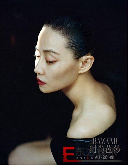 谭卓铲青发型惊艳  诠释《如梦之梦》硬核顾香兰