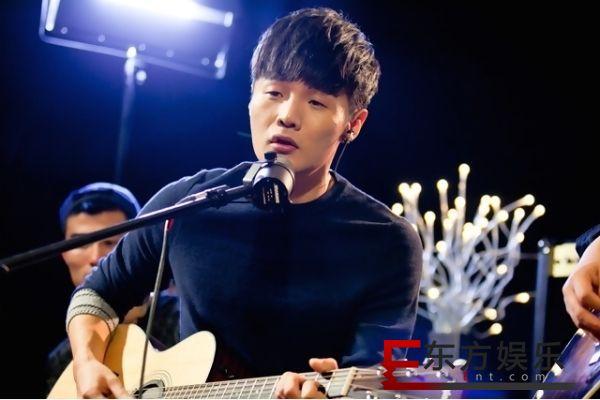 李荣浩掌握了王者荣耀的精髓 网友:被喷多了吗!