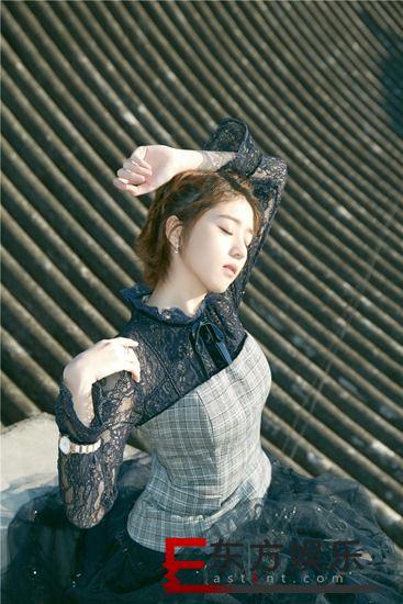 李凯馨曝光时尚封面大片 邻家少女也能很朋克