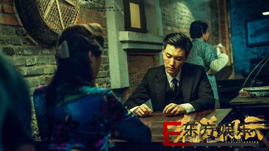 杨明逸亮相《刺杀风云》首映礼   心存敬畏演绎诚意之作