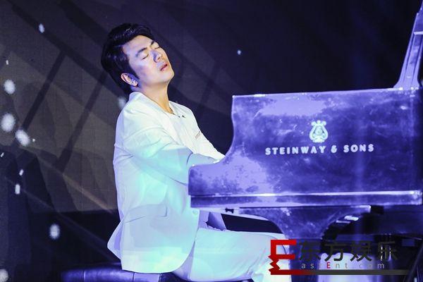 """""""钢琴大师""""郎朗全新专辑《钢琴书》:回归音乐初心"""
