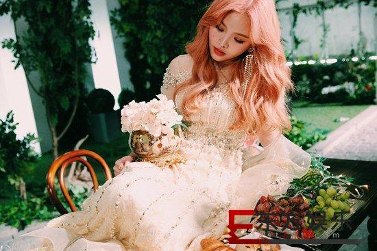 Amanda王欣晨《UTOPIA 梦托邦》首张专辑闪耀上线  新专辑发布会3/1在台举行