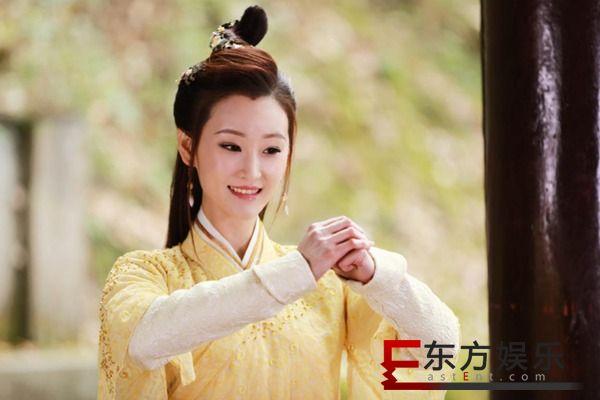 《招摇》热播好评不断 于潼饰沈千锦与晗光开启虐恋