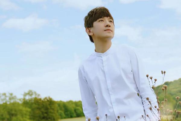 后弦《瓜很甜》MV上线  朋克曲风搭配阳光海滩呈现初恋般的感觉