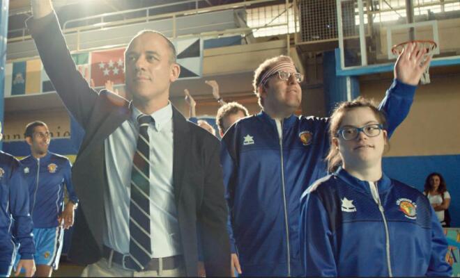 《篮球冠军》西班牙使馆首映受各外交官称赞 笑泪与共治愈人心