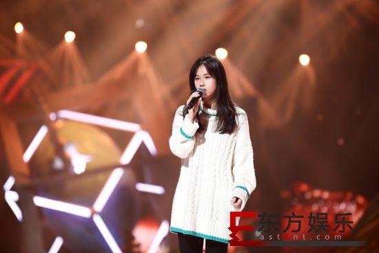 孟慧圆《美美》舞台首秀 一首歌曲打动全场
