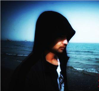 钟木元主打曲《自由》MV上线 在昼夜交替中揭幕自由的出路