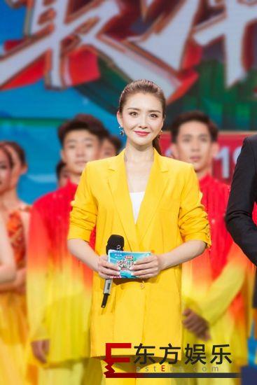孙茜主持央视节目 与尼格买提献唱《千年等一回》