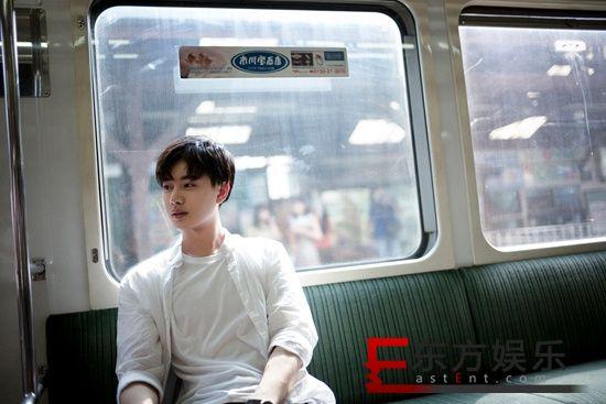 王佑硕《大宋少年志》热播 日系写真眉目清秀