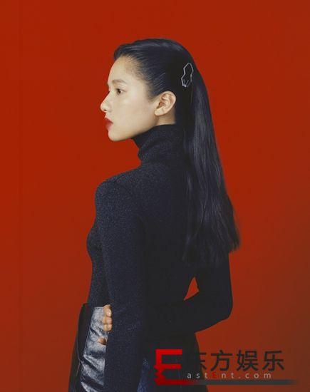 张婧仪最新质感大片 复古少女风解锁新风格