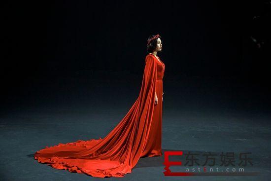 入行十年李幸倪演技唱功大爆发 全新MV《以爱情的罪名》挑战一人分饰两角