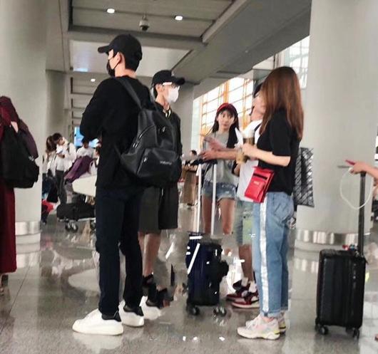 网友偶遇朱一龙白宇刘萌萌 朱一龙被迫吃狗粮好惨!
