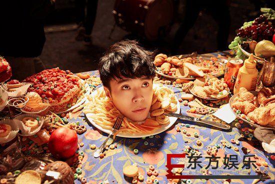 吴青峰最新单曲《巴别塔庆典》MV无预警上线 挑战MV最不可能的场景