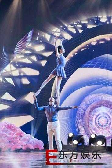 巅峰奖杯花落肩上芭蕾夫妇 《巅峰之夜》高手齐聚各显神通太过瘾!