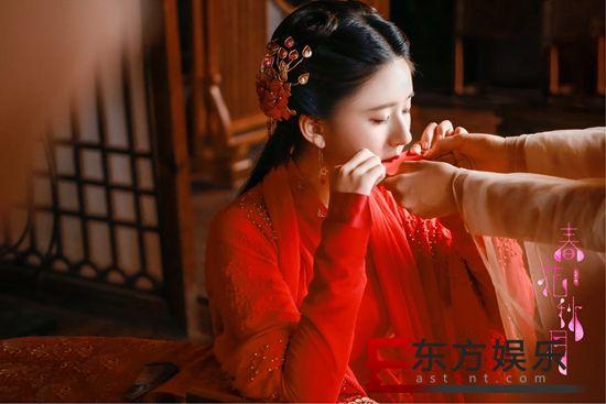 赵露思《天雷一部》热播 春花红衣绝美哭戏表演细腻