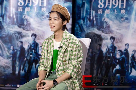 鹿晗亮相 《上海堡垒》北京首映 大胆挑战科幻题材向英雄致敬