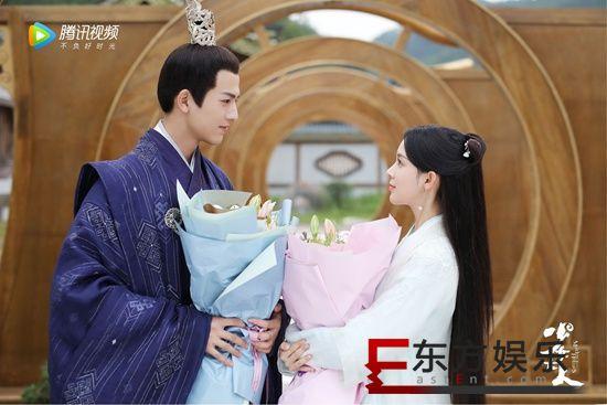 张凌赫《少女大人》甜蜜杀青 首次担纲男一号出演超A王爷