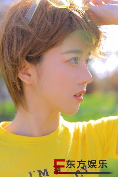 李凯馨20岁写真书照片曝光   阳光俏皮宛如漫画少女