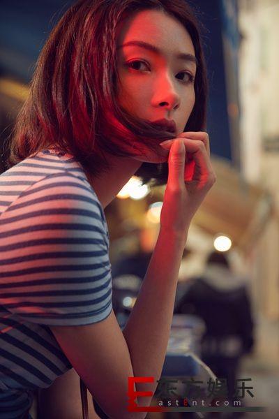 万茜时尚街拍大片  chic风邂逅法式浪漫