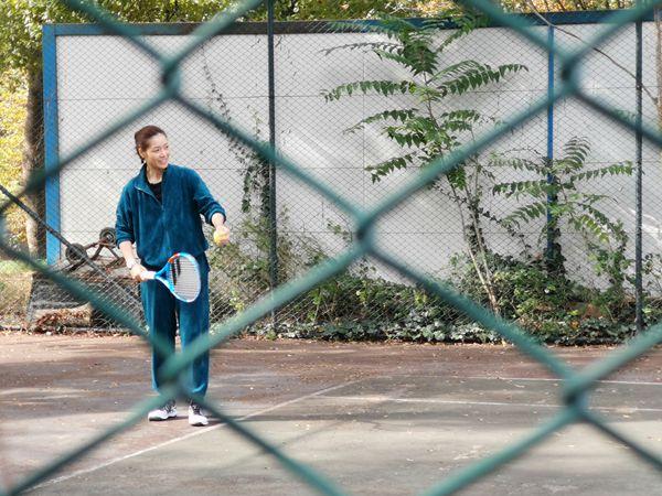 《妻子3》录制现场李娜教霍思燕魏大勋打网球 气氛融洽欢乐不断