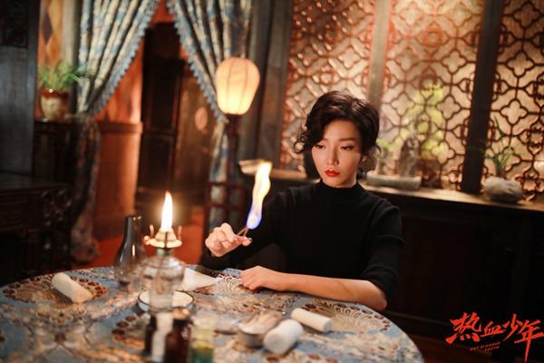 《热血少年》剧情跌宕起伏 泓萱饰演乔娜气场全开