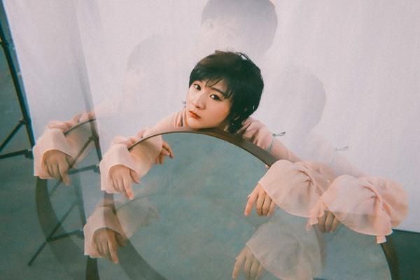 李雨第二支主打单曲《女巫》上线 敏锐创作视角收获肯定