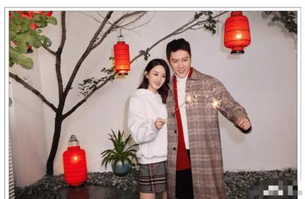 冯绍峰p成圣诞树 赵丽颖冯绍峰难得合体却惨遭恶搞!