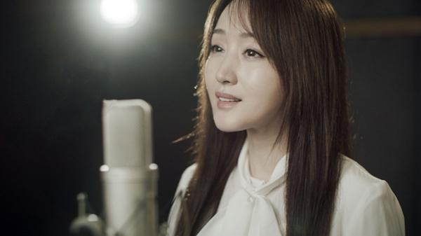 杨钰莹首次作词 抗疫歌曲致敬白衣天使