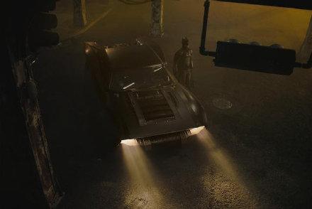 蝙蝠侠停拍两周 神奇动物3开拍推迟