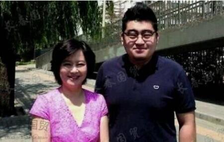 鞠萍27岁儿子近照曝光 身材高大健硕有型