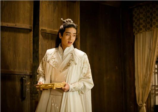 《三千鸦杀》白镜子虐心诀别 青年演员李明峻未来可期