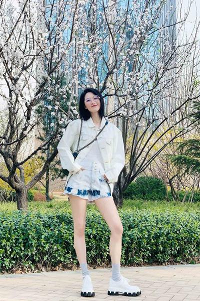 张雯分享春日美照迎接春暖花开