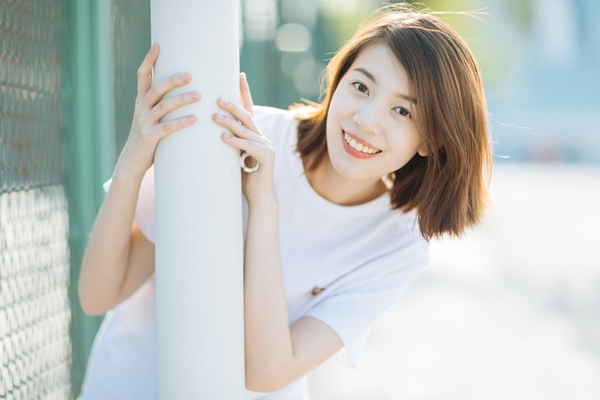 """超甜短剧《恋爱播放列表》腾讯上线 余佳妙完美演绎""""女汉子""""林岄"""
